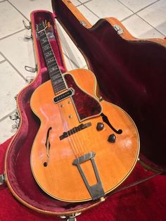Gibson ES-250 1940 Blonde 88 Made! This a just one of the Holy grail of Gibson Archtop collectors...this guitar is just so rare!! Beautiful all original Gibson ES-250 from 1940 in rare Blonde Finish! Amazing flame maple in the back.