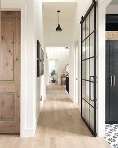 Dark door interior hallways floor colors 66 Ideas for 2019 Farmhouse Interior Doors, Modern Farmhouse Interiors, Interior Barn Doors, Farmhouse Decor, Exterior Doors, Farmhouse Style, Interior Simple, Interior Modern, Black Trim Interior