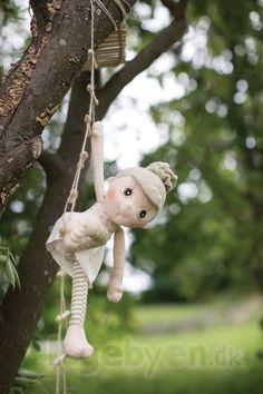 Rubens Barn Økologisk Dukke - Iris - Fra 0 år.