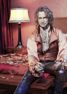Robert Carlyle as Rumplestiltskin. My favorite character on the show!!