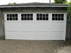 White garage door from Wayne Dalton garage doors. www.wayne-dalton.com