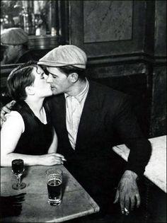 Brassaï, Au bistrot (détail), circa 1930-1932. Photographie.