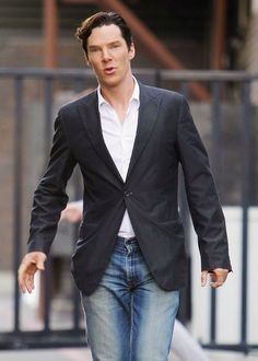 #BenedictCumberbatch   Benedict Cumberbatch(Sherlock) <3