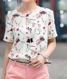blusa de seda estampa batons e laços frete grátis Floral Top Outfit, Elegant Style Women, Short Sleeve Collared Shirts, Cute Blouses, Western Outfits, Blouse Designs, Korean Fashion, Chiffon Tops, Ideias Fashion