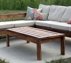 Super easy to make 2x4 outdoor table - no Kreg Jig required!  Free plans by Ana-White.com