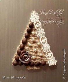 Make-Up Art Weihnachten – Make-up-Kunst Rustic Christmas Ornaments, Christmas Crafts To Make, Christmas Frames, Handmade Christmas Decorations, Winter Crafts For Kids, Christmas Centerpieces, Christmas Wreaths, Jute Crafts, Diy Arts And Crafts