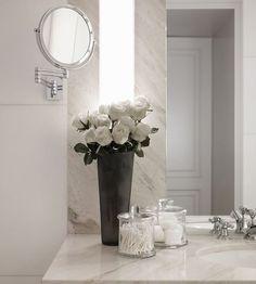 Schweizer Chalet von Kelly Hoppen – Tempo da Delicadeza – Dekoration 2019 – Home Decor On A Budget Bathroom Wall Decor, Basement Bathroom, Small Bathroom, Bathroom Ideas, Bathroom Vanities, Bathroom Lighting, Bathroom Flowers, Modern Bathroom, Bathroom Designs