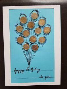 Geburtstagskarte mit Geld-Luftballons Ein Geldgeschenk ist zwar immer etwas einfallslos, aber gut in Szene gesetzt kann es auch ein schönes Geschenk für einen Erwachsenen sein, anstatt allerlei Plunder, der dann in der Ecke liegt ;-) ich glaube das Geburtstagskind wird sich freuen.