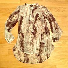 Boho Mineral Print High Low Top✨ Gorgeous top worn for my internship. Cute zipper so you can adjust - perfect for spring and summer! Extremely well cared for. No holes, stains etc. BUNDLE & SAVE SMOKE-FREE HOME ❌NO TRADES❌ ✅OFFER BUTTON✅ Mossimo Supply Co. Tops Tees - Long Sleeve