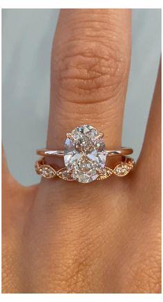 Elegant Wedding Rings, Wedding Rings Sets Gold, Wedding Rings Vintage, Vintage Engagement Rings, Wedding Bands, Bohemian Engagement Rings, Rose Gold Rings, Circle Wedding Rings, Expensive Engagement Rings