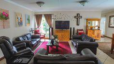 3 Bedroom House in Lynnwood Glen photo number 3