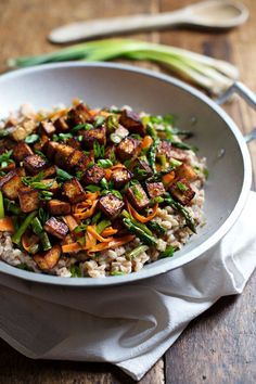 This Honey Ginger Tofu and Veggie Stir Fry