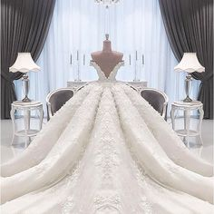 gorgeous strapless appliques bowknot cathdral wedding dress