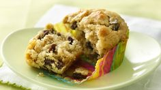 Banana Raisin Muffins Whole grains to go? Turn whole-grain cereal and fruit into scrumptious muffins for a nutritious breakfast on the move! Nutritious Breakfast, Breakfast Recipes, Breakfast Muffins, Mini Muffins, Cheerios Recipes, Raisin Muffins, Pillsbury Recipes, Muffin Tin Recipes, Breakfast On The Go