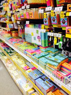 """columbiadreaming: """"study-studymore-studyhard: """"Advice for Students: 20 Uses for a Post-it Note Mark your place in a book. It seems so obvious, yet relatively few students seem to do it. When your professor picks up with the poem or short story or. School Motivation, Study Motivation, Too Cool For School, Back To School, School Suplies, Stationary Store, Study Room Decor, Cute School Supplies, Office Supplies"""