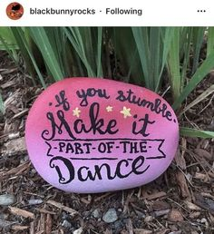 35 Awesome Painted Rocks Quotes Design Ideas 17 – Home Design Pebble Painting, Pebble Art, Stone Painting, Painting Art, Paintings, Painting Videos, Painted Rocks Craft, Hand Painted Rocks, Painted Stones