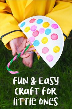 Rainy Day Paper Plate Umbrella Craft - The Chirping Moms - Easy crafts for toddlers - Rainy Day Activities For Kids, Rainy Day Crafts, Spring Activities, Craft Activities, Toddler Activities, Spring Toddler Crafts, Toddler Arts And Crafts, Spring Craft For Toddlers, Paper Plate Crafts