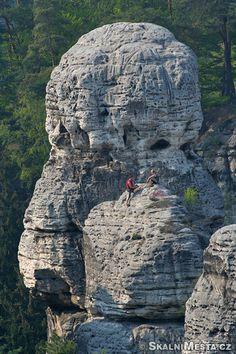 ČESKÝ RÁJ Hruboskalsko Prague, Lesy, Our World, Elizabeth Ii, Czech Republic, The Rock, Mount Rushmore, The Good Place, Mountains