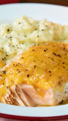 Salmón con Salsa de Mango y Puré de Papas - Atıştırmalıklar - Las recetas más prácticas y fáciles Baked Salmon Recipes, Fish Recipes, Seafood Recipes, Asian Recipes, Cooking Recipes, Healthy Recipes, Cooking Corn, Cooking Courses, Oven Cooking