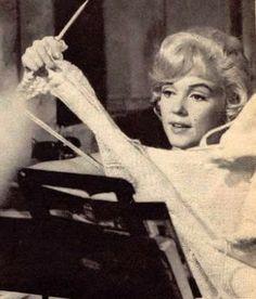 """Marilyn Monroe knitting...Marilyn Monroe in """"Let's Make Love / Gel Sevişelim"""" (1960)"""