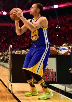 Stephen Curry wearing Under Armour Curry One Candy Reign (1)