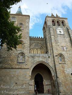 Catedral de Evora, Portugal.
