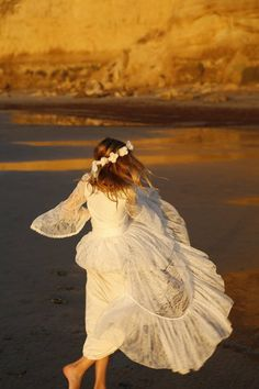 ac935ec5e7 Erste Kommunion Kleid Blumenmädchenkleid aus White Lace