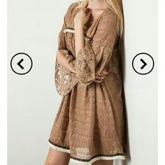 Beautiful lace umgee dress. Beautiful Umgee dress. This dress is great for going into fall. Wear with leggings and your favorite boots. I only have one more left in a size small. umgee Dresses