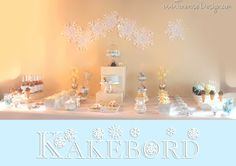 Kakebord / Dessertbord i lyseblått, hvitt og sølv! {WinterONEderland} Cake Table, Dessert Tables, Mirror, Party Ideas, Wedding, Furniture, Home Decor, Birthday, Valentines Day Weddings