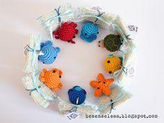 Airali design. Where is the Wonderland? Crochet, knit and amigurumi.: Meglio tardi che mai - bomboniere amigurumi