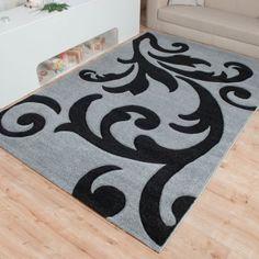 Die Mailand Teppich Kollektion bietet Ihnen Abwechslung pur! Neben fröhlichen Kinderteppichen werden außerdem vielfältige moderne Teppiche angeboten. Alle Teppiche der Mailand Kollektion besitzen eine von Hand geschnittene Kontur, welche sie unverwechselbar und individuell erscheinen lassen. Diese handgecarvte Struktur verleiht dem modernen Teppich eine Art 3D Optik, so dass die einzelnen Musterungen noch schöner und ausdrucksstärker zur Geltung kommen.  Die Teppich Kollektion Mailand hält…