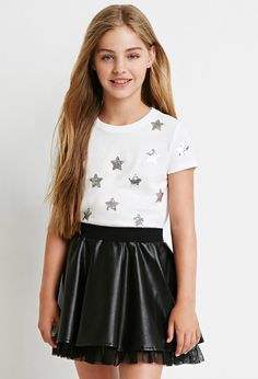 Forever 21 is the authority on fashion & the go-to retailer for the latest trends, styles & the hottest deals. Girly Girl Outfits, Cute Girl Dresses, Teenage Girl Outfits, Sporty Outfits, Cute Outfits For Kids, Hot Outfits, Dance Outfits, Preteen Girls Fashion, Girls Fashion Clothes