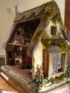 Tudor Cottage @ Philadelphia Miniaturia:: A Premier Dollhouse Miniature Show. Tudor Cottage @ Philadelphia Miniaturia:: A Premier Dollhouse Miniature Show. Haunted Dollhouse, Dollhouse Miniatures, Victorian Dollhouse, Modern Dollhouse, Miniature Houses, Miniature Dolls, Miniature Furniture, Dollhouse Furniture, Storybook Cottage