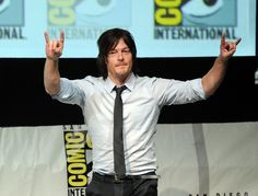 Norman Reedus Cuddles With His Cat and It's the Greatest Thing We've Seen All Week! (VIDEO)