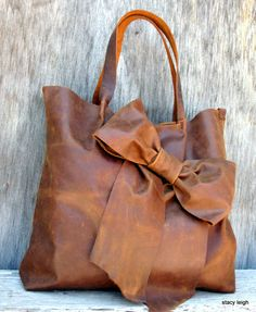 Bow Tote Bag in Distressed Brown Leather