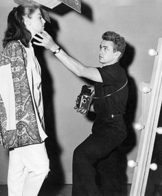 James Dean posing girlfriend Pier Angeli for a photo