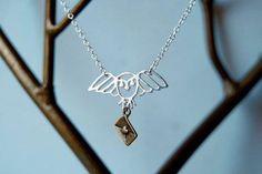 Long Live Hedwig! Hedwig Necklace #HarryPotter #EnchantedLeaves #Hedwig #HedwigNecklace