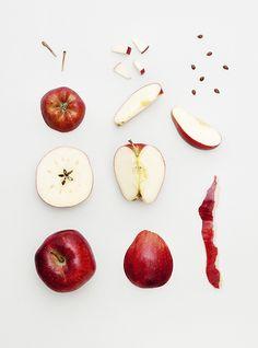 Photo by Veslemøy Vråskar. Fruit Photography, Food Photography Styling, Still Life Photography, Food Styling, Photo D Art, Think Food, Poster Design, Jolie Photo, Fruit And Veg