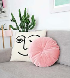 Never has there been a pillow more elegant, luxurious, and soft than this Round Velvet Pillow Pattern! Make this pinwheeled statement piece in less than an hour.