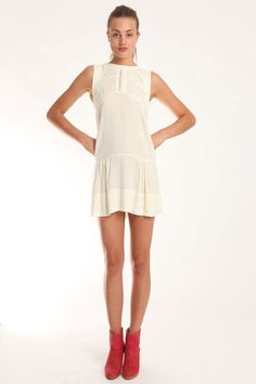 love the pleating on the skirt, cept I want it on a skirt, not a dress...    The LWD