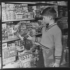 Living in a Retro World Plastic Model Kits, Plastic Models, Retro Toys, Vintage Toys, 1960s Toys, Automobile, Boy Models, My Childhood Memories, Childhood Toys