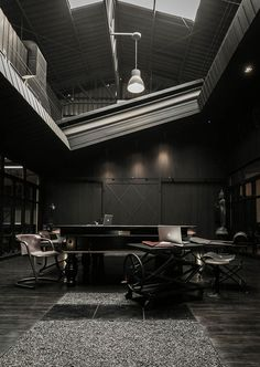 industrial chic… S Construction Offices by Metaphor Design Studio Interior Exterior, Luxury Interior, Interior Architecture, Dark Interiors, Office Interiors, Industrial Office Space, Industrial Chic, Black Interior Design, Commercial Design