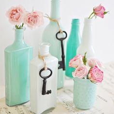 Decorar tu boda con llaves botellas turquesa