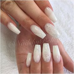 Wedding Nails: Beautiful and Elegant Nail Designs: Weddings are a very special event that allows us all to wear stunning dresses and look pretty. Nails are no exception. There are so many choices… Wedding Nails For Bride, Bride Nails, Prom Nails, Fun Nails, Nails 2018, Winter Wedding Nails, Wedding Manicure, Acrylic Nail Designs, Nail Art Designs