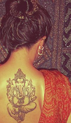 Ive been searching for a ganesh tattoo! Love this Ganesh tattoo! Ganesh Tattoo, Et Tattoo, Piercing Tattoo, Back Tattoo, Piercings, Icon Tattoo, Unalome Tattoo, Yakuza Tattoo, Lotus Tattoo