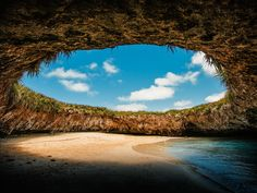 The hidden beach in Marietas Islands, Puerto Vallarta. Hidden Beach, Cozumel, Cancun, Cabo San Lucas, Islas Marietas Puerto Vallarta, Riviera Maya, Most Beautiful Beaches, Beautiful Places, Maya Bay