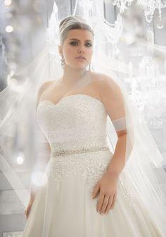 Bruidsjurken Almere.94 Beste Afbeeldingen Van Plussize Wedding Dresses In 2019