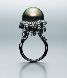 Melting snowball ring by Wen Chan. Truly art for the finger!