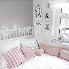 Diy Bedroom Decor For Teens, Girls Bedroom, Diy Home Decor, Bedrooms, Interior Design Career, Interior Decorating Styles, Aesthetic Rooms, Diy Décoration, Dream Rooms