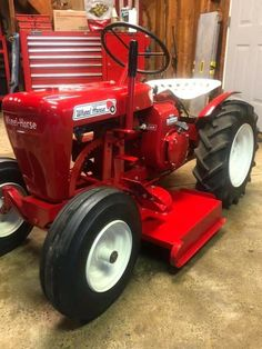 Wheel Horse Tractor, Garden Tractor Pulling, Yard Tractors, Pebble Beach, Lawn Mower, Old Cars, Barns, Cubs, Logan